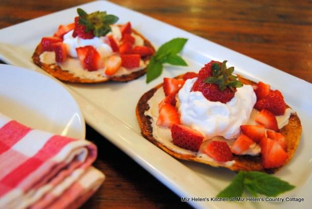 Strawberry Dessert Chalupa