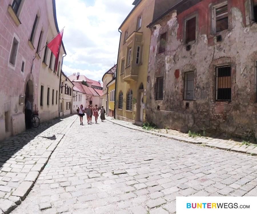 Altstadt von Bratislava * BUNTERwegs. Der Outdoorblog für Frauen mit Liebe zum Wandern und zur Street Art