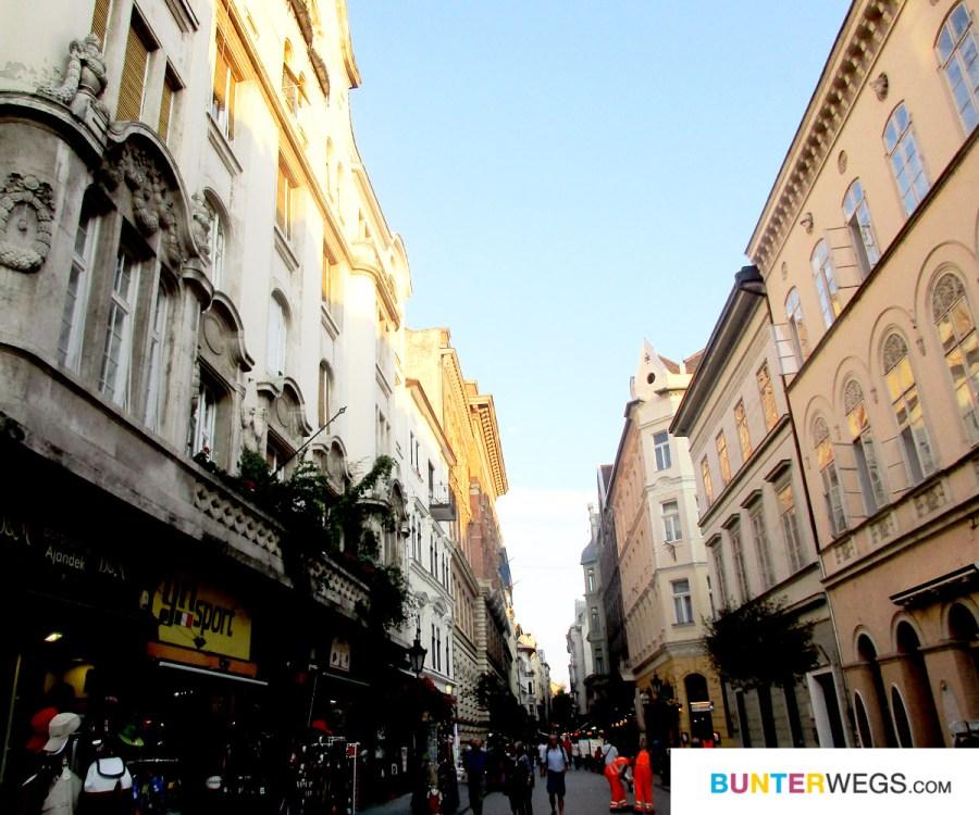 Die Innenstadt von Budapest, Ungarn * BUNTERwegs. Der Outdoor Blog für Frauen mit Liebe zum Wandern und zur Street Art