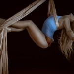 生理前の腰痛は女性ホルモンが関係している?