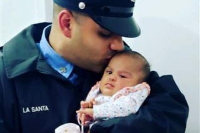 """Bimba di 4 mesi muore per Coronavirus, era figlia di un pompiere: """"Addio principessa guerriera"""""""