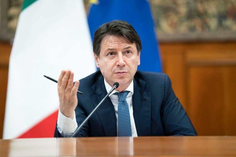 Il premier Conte: «Misure prorogate fino al 3 maggio»