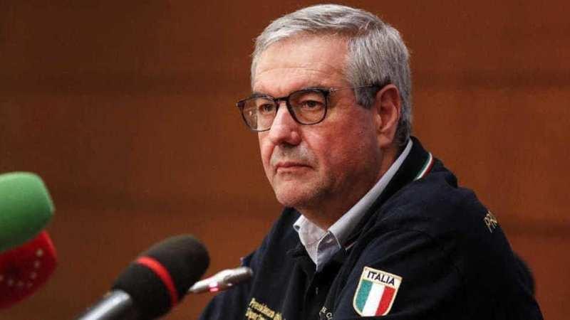 Coronavirus in Italia: 382 morti e 2091 casi in più, scendono i ricoverati e le persone in terapia intensiva.
