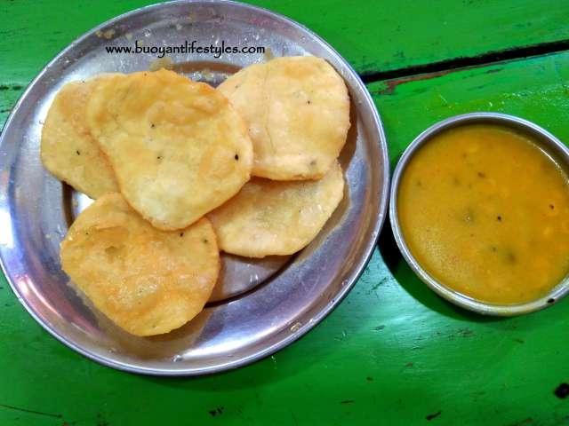 Popular food to eat in Kolkata + Things to eat in Kolkata + Popular street food in Kolkata + Kolkata