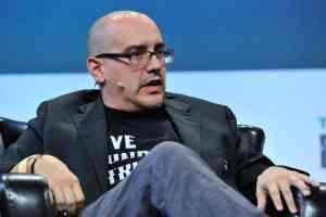 Dave McClure, 500 Startups iş hızlandırıcısını kuran San Francisco Bay Area merkezli bir girişimci ve melek yatırımcısıdır.