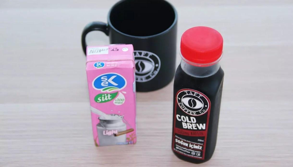 Evde Cold Brew Latte Tarifi
