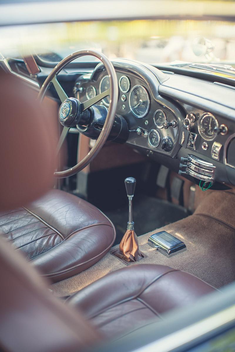 Exotic Cars Fall Wallpaper Aston Martin Db5 Interior