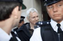 julian-assange-anonymous-occupy-london