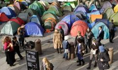 Occupy-London-tents-outsi-007