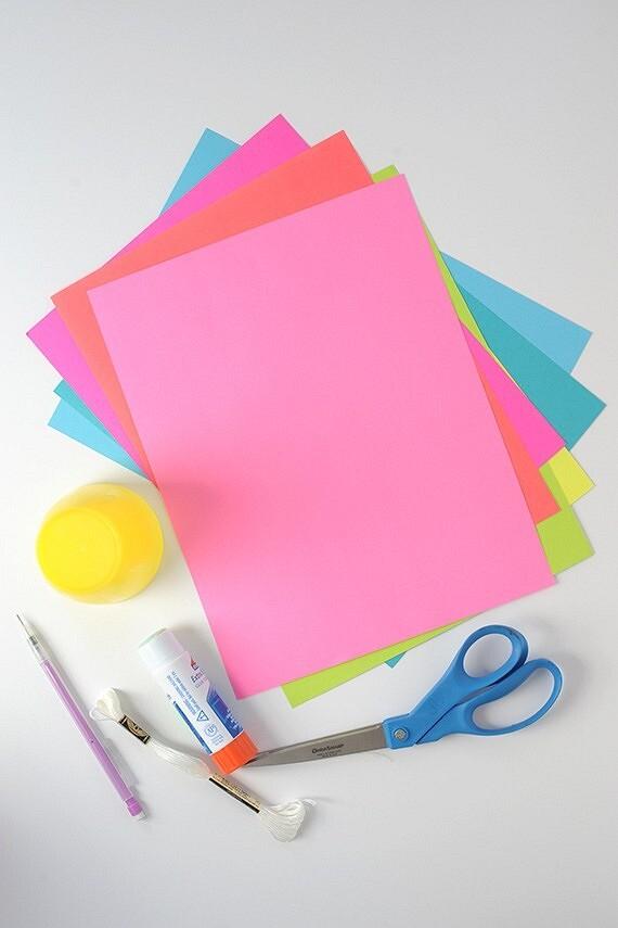 Yeni Yılın Kağıt Dekoru Kendi Elleriyle: Talimatlarla 13 Fikir