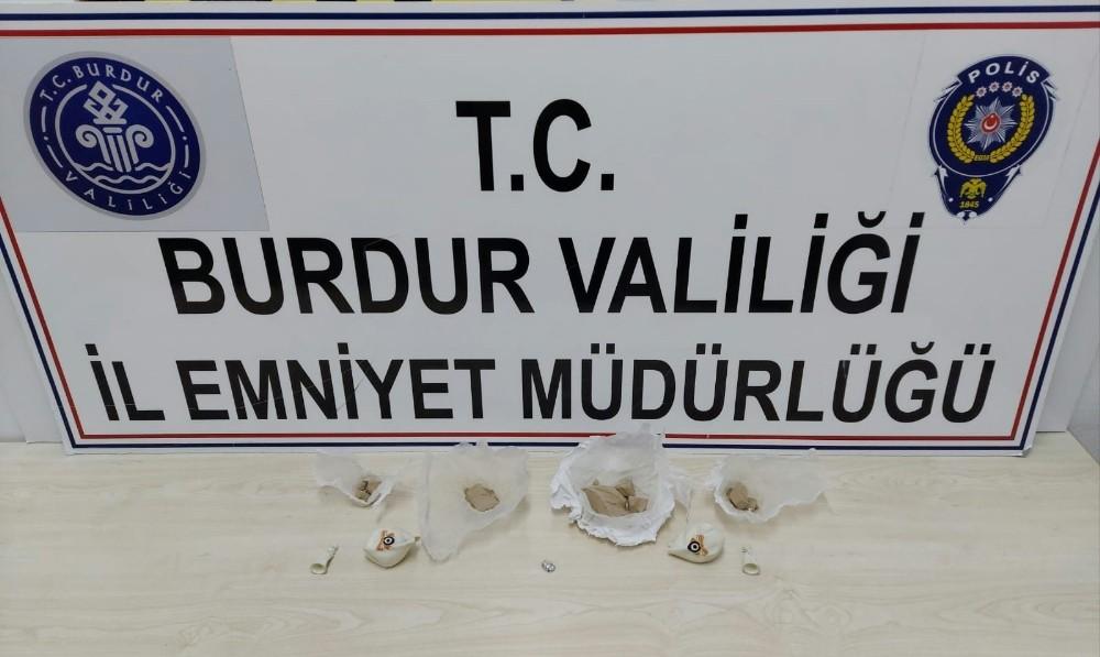 Burdur'da zehir tacirleri, uyuşturucuyu balonların içine sakladı