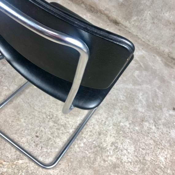 Gispen stoel 1121 in zwart