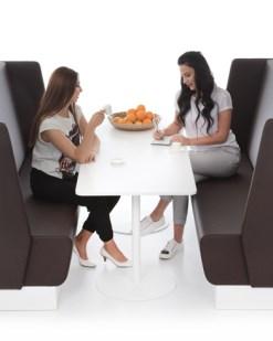 Aura Train | trein bank met tafel. Bureaustoelen MKB