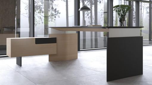 MOVE Directie bureau, Eiken fineer met zwart blad en zijkast links Narbutas | Bureaustoelen MKB