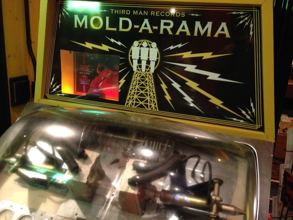 Mold-a-rama Machine