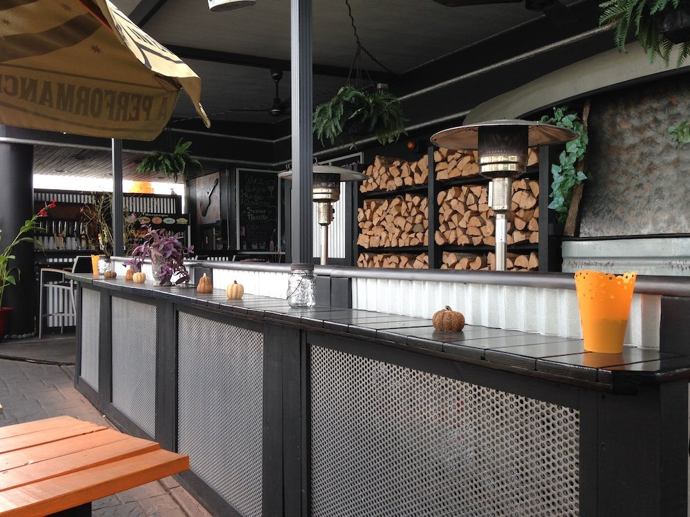 BurgerQue Outdoor Counter