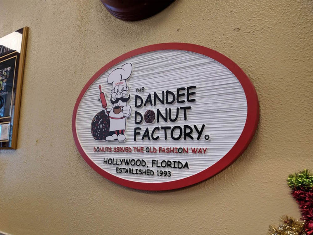 Dandee Donuts Sign