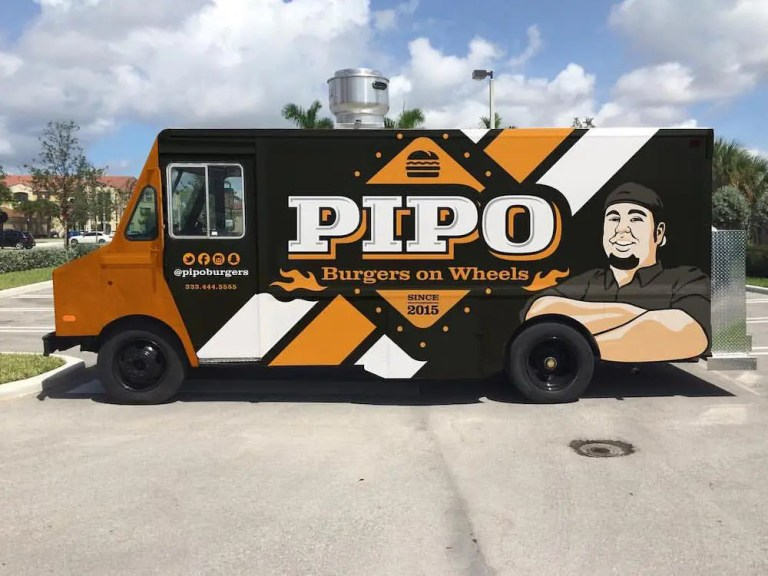 Pipo Burgers on Wheels Food Truck