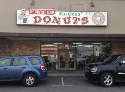 Fox's Donut Den - Nashville, Tennessee