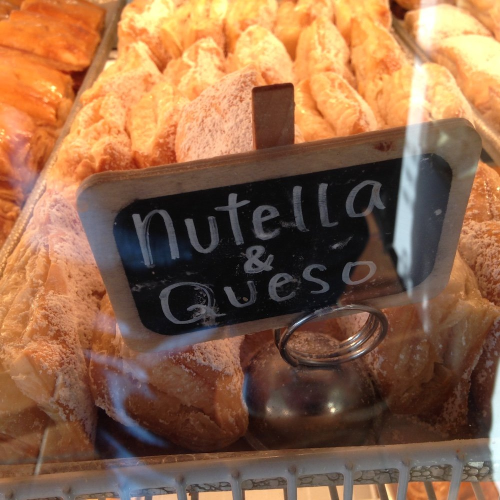 Nutella & Cheese Pastelitos