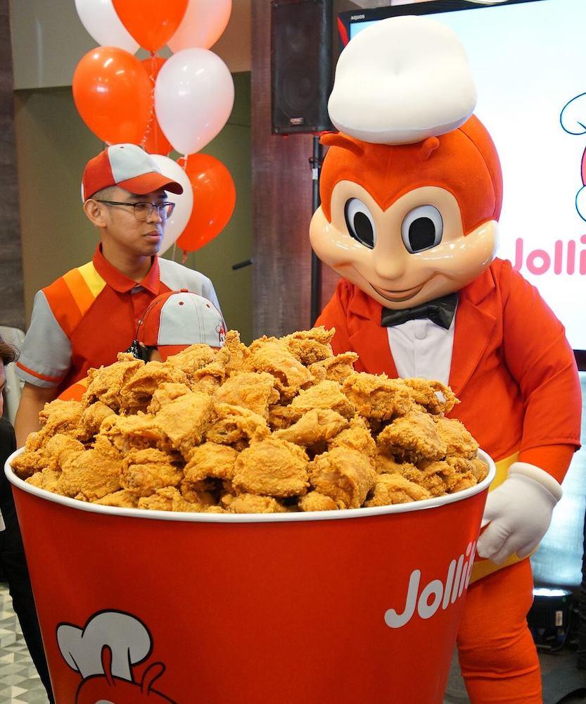 Jollibee Giant Bucket of Chickenjoy