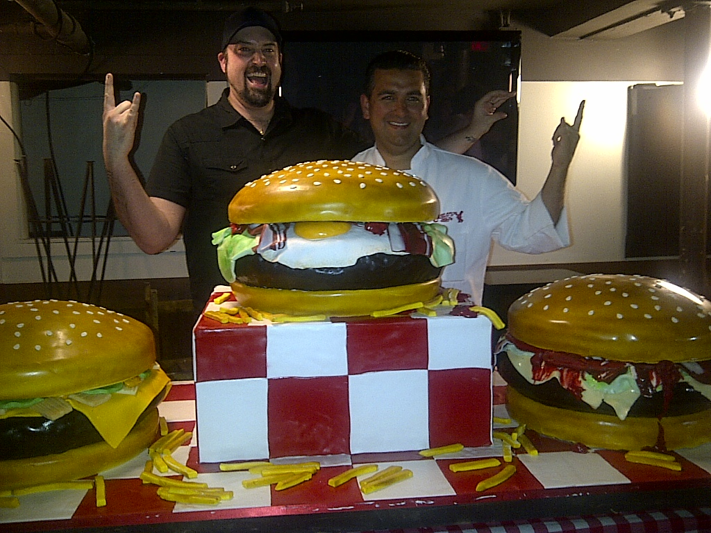 Cake Boss  Buddy Makes Me A Burger Cake, I Make Tv