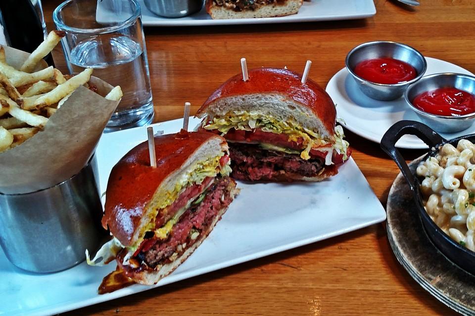 J. Nichols Kitchen - Los Angeles (Marina Del Rey). CA: J. Nichols Classic (7.23.15) - Burger Grades