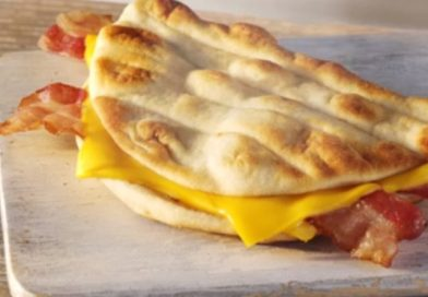 McDonald's Cheesy Bacon Flatbread