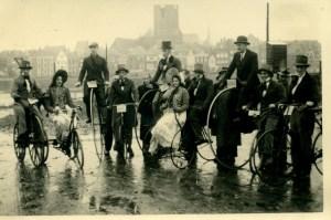 Tocht door Deventer tijdens het jubileum in 1949