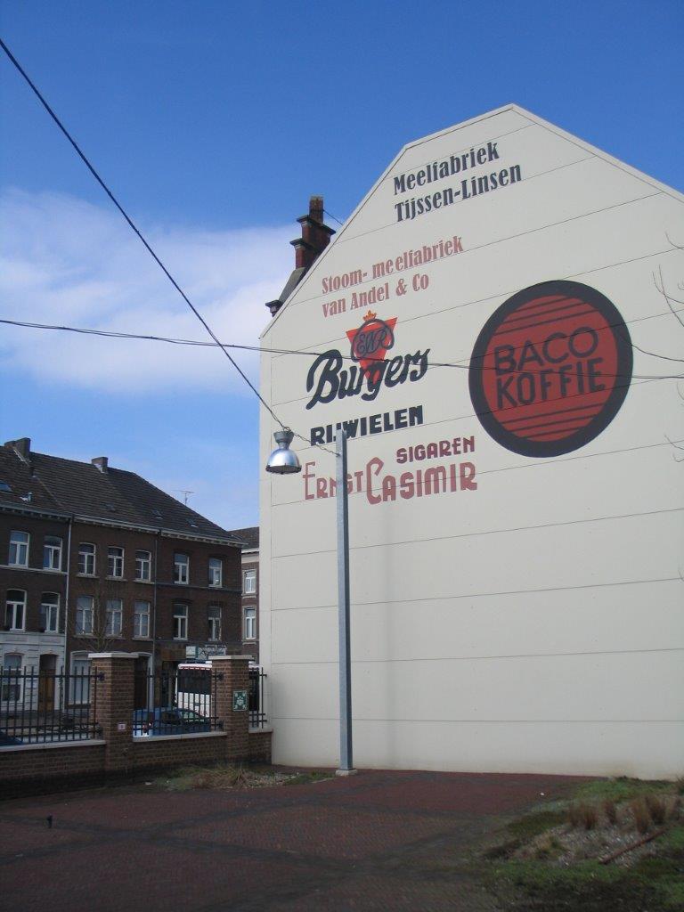 de bedrijven die in het gebouw aan de Veeladingstraat hebben gezeten.