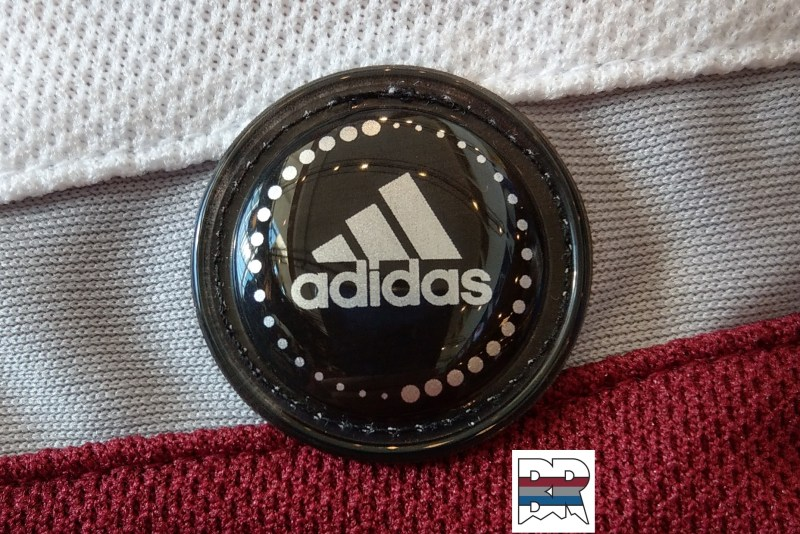 Adidas Road Locker Access Logo Crop