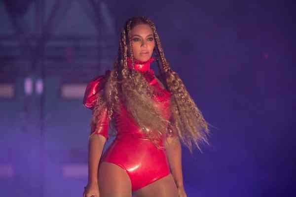 """""""beyoncé outfits 2020 beyoncé street style beyonce outfits fancy dress beyonce casual dresses beyoncé outfits beyoncé fashion instagram beyoncé casual outfits beyoncé hairstyles beyoncé red carpet iconic beyoncé outfits beyoncé fashion line beyonce lace dress beyoncé dress up rihanna outfits beyonce costume beyonce outfits casual beyonce flawless outfit beyoncé music video outfits beyonce dance outfits beyonce single ladies outfit beyonce homecoming outfit beyonce hold up dress beyoncé fashion icon beyoncé fashion sainsbury's beyoncé style of music beyonce in jeans How To Dress In Your 30s As Female"""""""