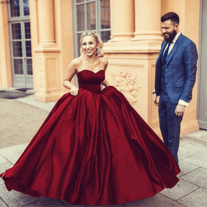 Your Ultimate Guide To Personalize Best Burgundy Wedding Dress In Burgundy Theme That Will Make Your Look Queen A Like (2021)