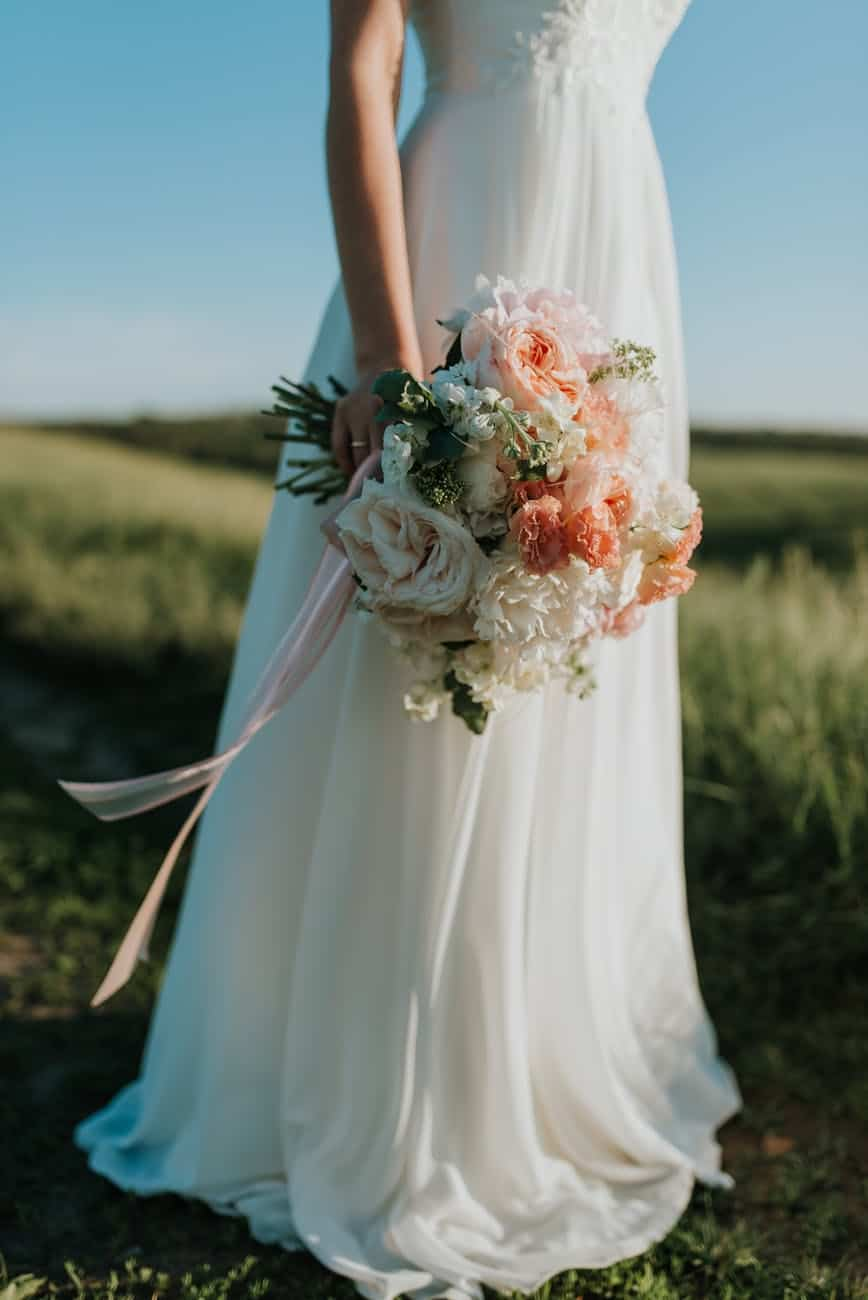 Try Considering A Las Vegas Burgundy Wedding: A Bride's Ultimate Guide To Choose Elegance Over Speed (2021)