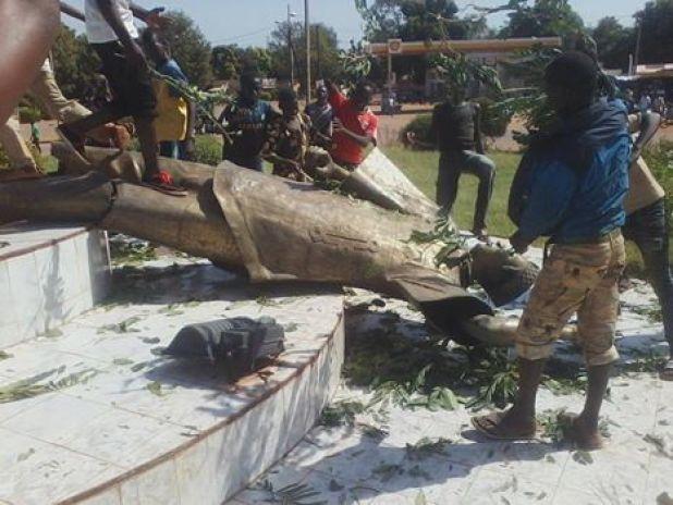 Monument Burkina Faso : «Ça passe ou ça casse» (Vidéo: «C'est devenu MAÏS ! »