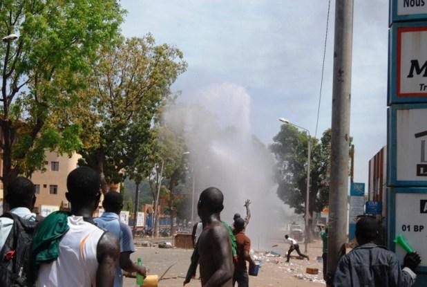 b Burkina Faso : «Ça passe ou ça casse» (Vidéo: «C'est devenu MAÏS ! »