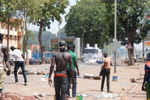 d Burkina Faso : «Ça passe ou ça casse» (Vidéo: «C'est devenu MAÏS ! »