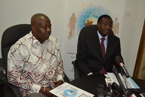 Felix Sanon et Franck Tapsoba, respectivement coordonnateur d'AFRICALLIA et directeur général de la Chambre de commerce et d'industrie du Burkina, pendant la conférence de presse