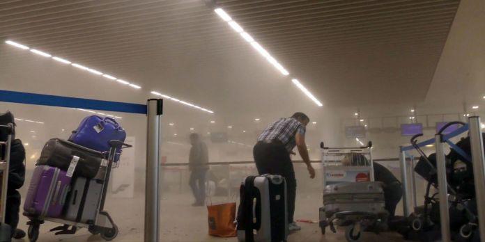 L'ambiance chaotique à l'aéroport international de Zaventem après la première exploision