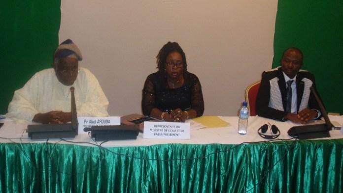 A l'ouverture de la réunion statutaire du comité de pilotage, ce jeudi matin à Ouagadougou, au micro, le Pr. Abel Afouda, président du GWP-AO