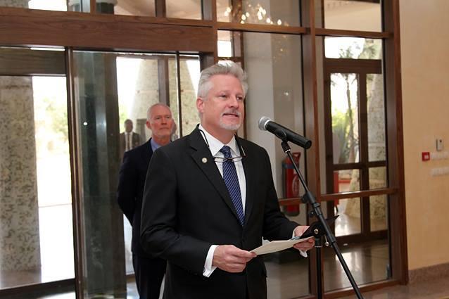 C'est le nouvel ambassadeur des USA au Burkina, Andrew Young, qui a porté la primeur de l'info au président Kaboré, en attendant la note officielle