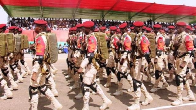 Le défilé militaire, l'un des grands moments de la grande parade