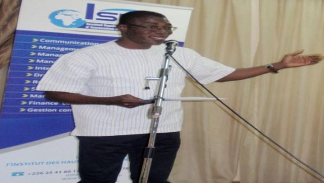Le parrain, Jean Bosco Bazié, a prodigué des conseils à ses filleuls