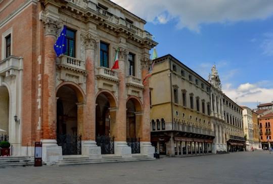 Loggia del Capitaniato and Piazza dei Signori, Vicenza, Italy