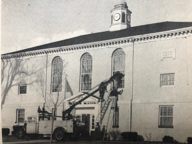 Burlington Town Hall, 1915-1969