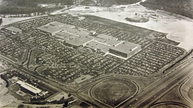 Burlington Mall opening day 1968 Burlington MA. Photo credit: Bedford Minuteman via Alethea Yates