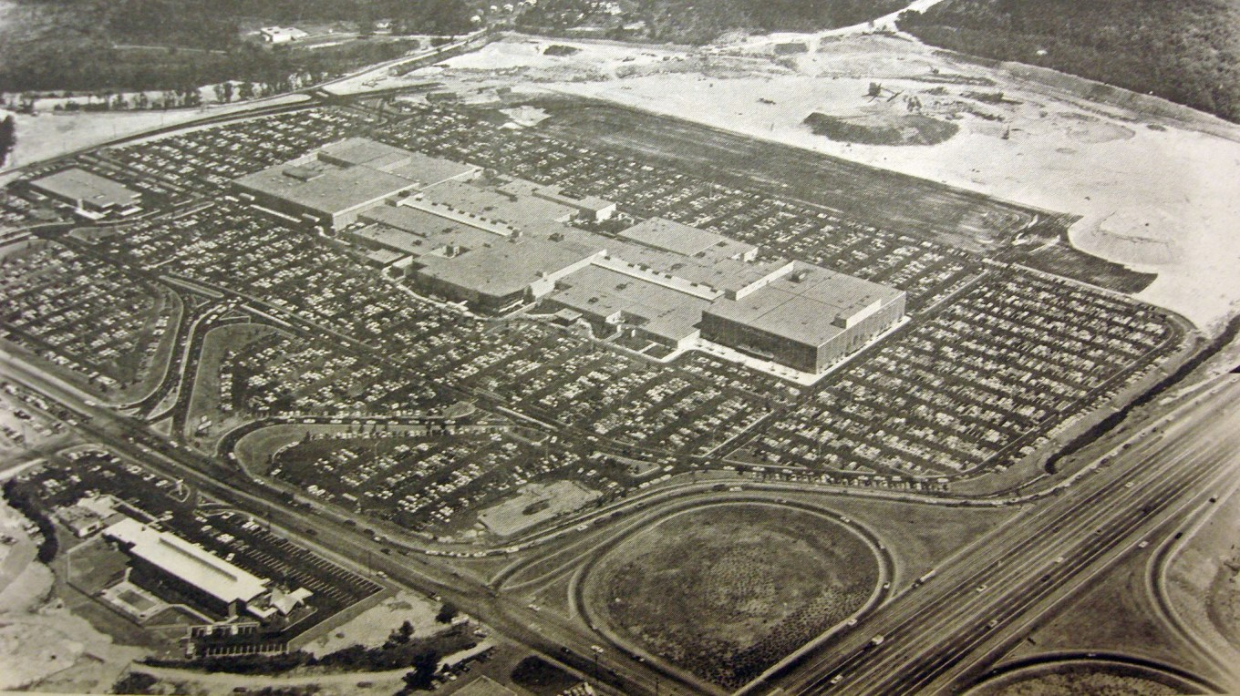 Burlington Mall opening day 1968 Burlington MA. Photo credit: Bedford Minuteman via Alethea Yates