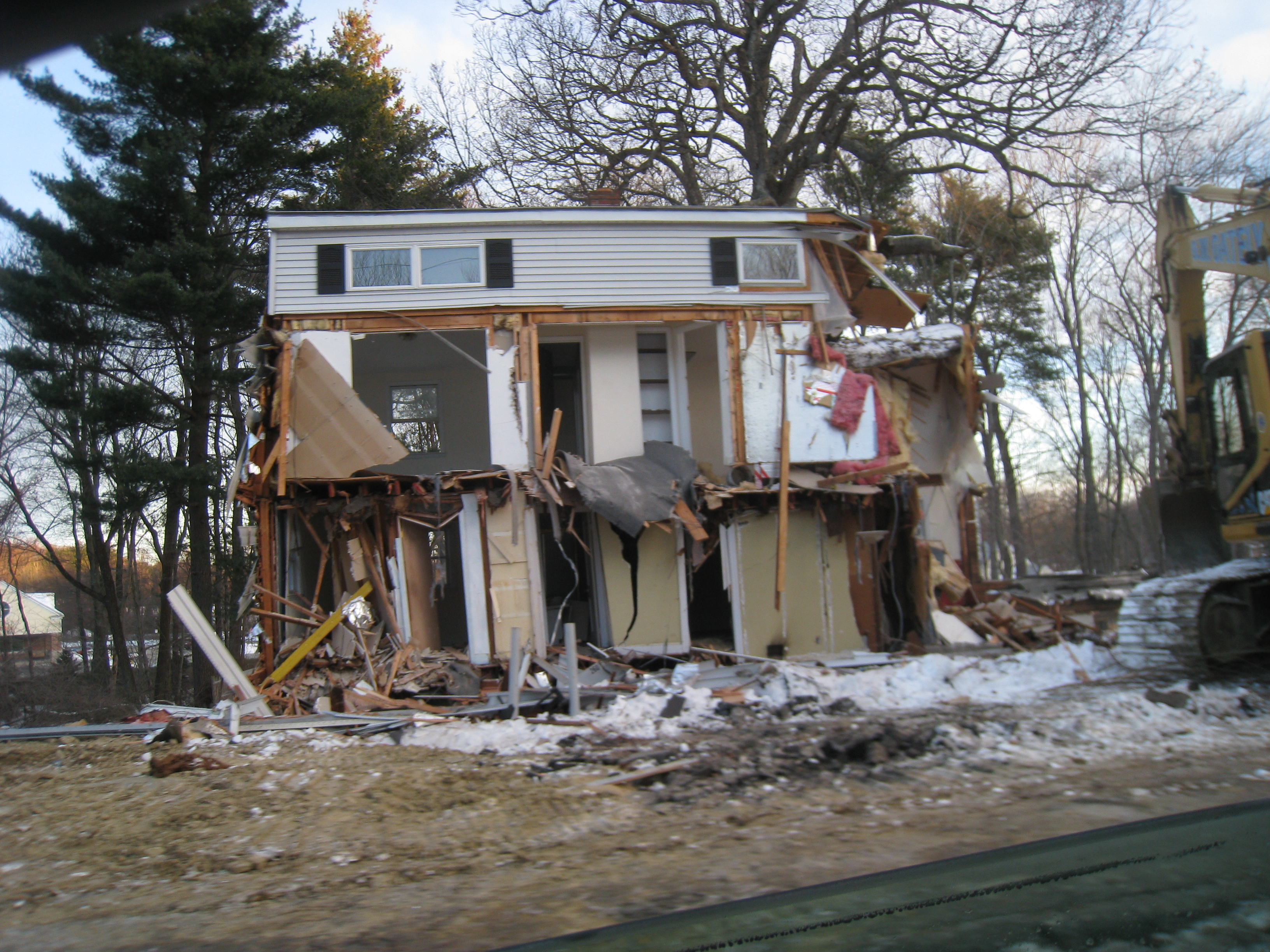 Winn St. houses razed 2