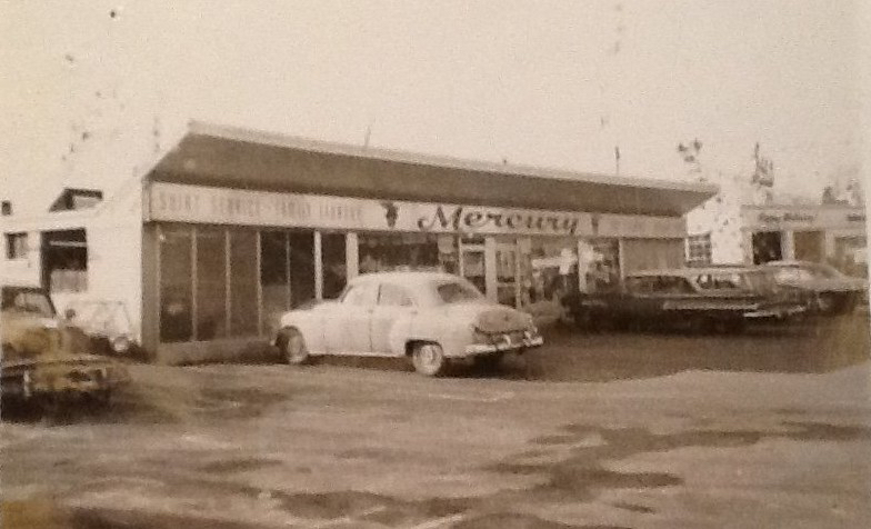Mercury Cleaners, Burlington MA, roughly where Papa Gino's is now. Photo credit: Donna Davy Hagan