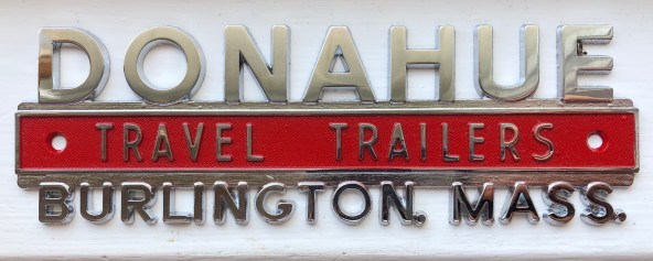 Donahue Trailers vehicle emblem, Burlington, MA